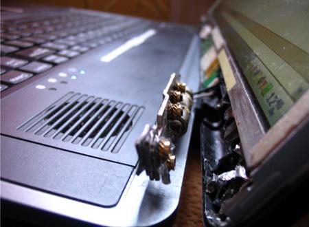ремонт петель и корпуса ноутбука
